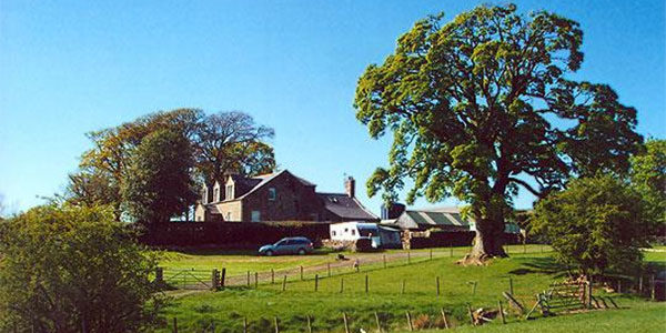 Traditional Farmhouse Bed and Breakfast Accommodation at Newark Farm, Sanquhar, Dumfries and Galloway